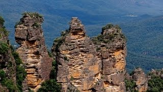 LEGEND OF THE THREE SISTERS, KATOOMBA, NEW SOUTH WALES, AUSTRALIA