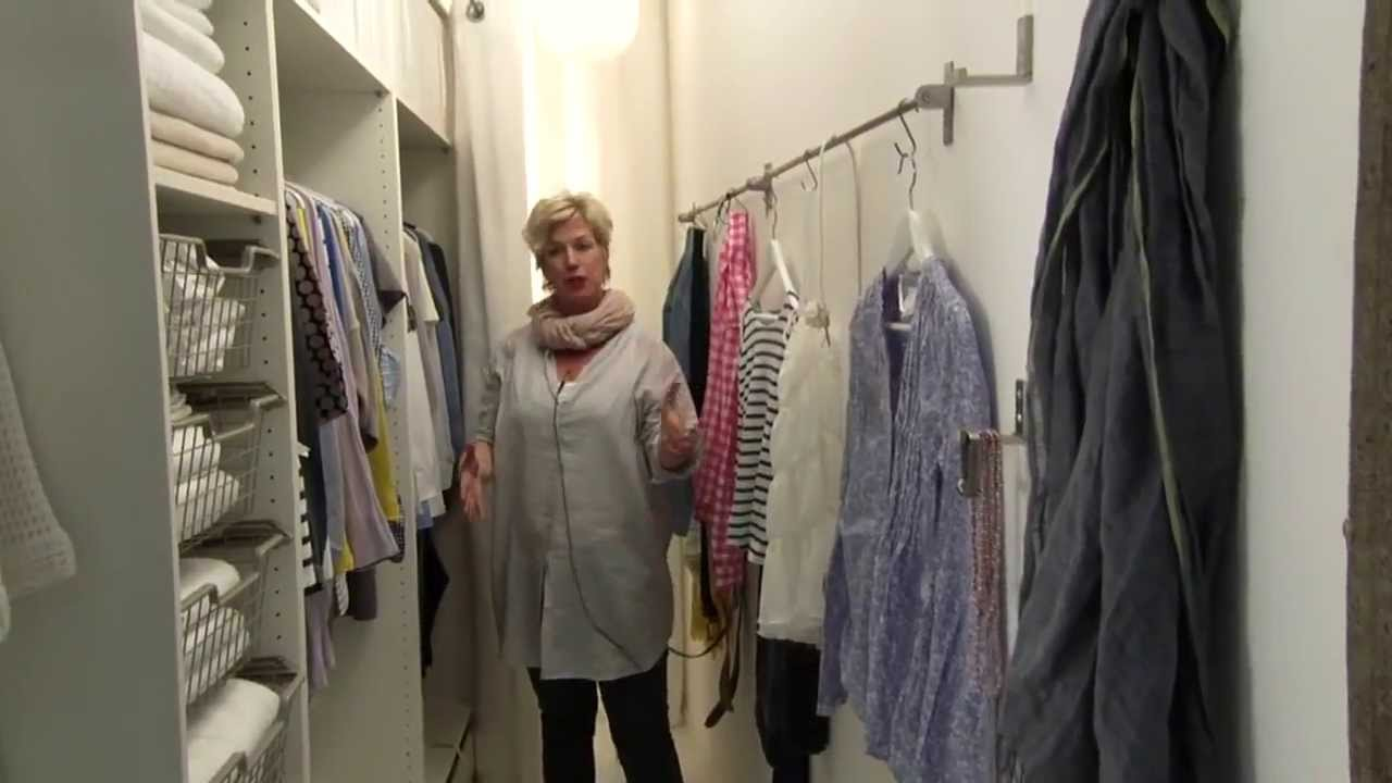 Small Walk-in Closet Ideas - YouTube