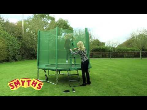 Smyths Toys - 8ft Trampoline And Enclosure