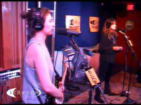 Warpaint  At KCRW Morning Becomes Eclectic 0203