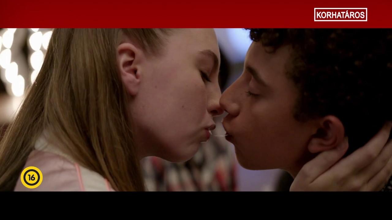 Csókolózó lányok erekciója