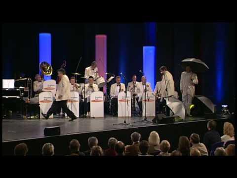 Pasadena Roof Orchestra - Singin' In The Rain