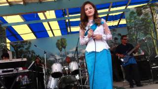 Sokun Nisa Live at  Wat Stockton CA Cambodian New Year 2011