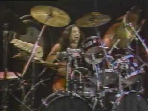 Dixie Dregs  in 1981 Steve Morse T. Lavitz, Rod Morgenstein and Mark O'Connor
