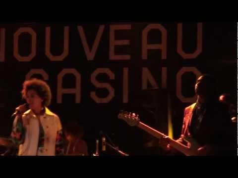 Solange - Crush (Live @ Nouveau Casino, Paris) [2013-01-18]
