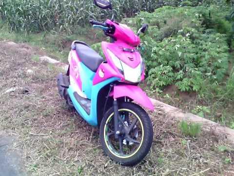 Modifikasi Honda Beat Fi Street Racing Stiker Hello Kitty Modif