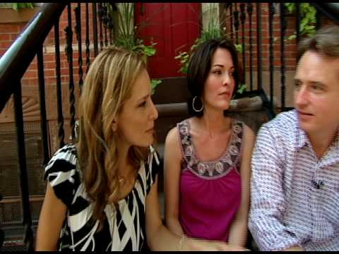 Talk Stoop with Law & Order, Alana de la Garza & Linus Roach  As Seen on New York Nonstop