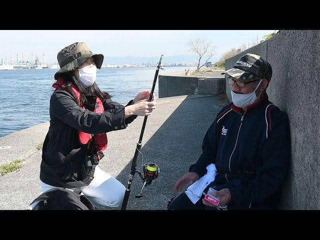 初心者の記者、海釣りに挑戦 唯一の釣果は黄色の…