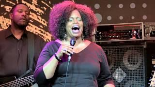 Jazzfest Bonn 2014: Posttower, DIANNE REEVES