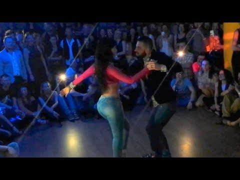 Daniel y Desiree - Improvisation dance social (Eres Mia - Romeo Santos) Bachata Sensual Fusion