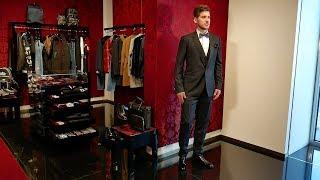 Total-look от Dolce&Gabbana: костюм, рубашка Tuxedo shirt, бабочка, дерби
