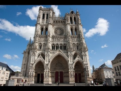 AMIENS A walking tour around the city / Un paseo por la ciudad