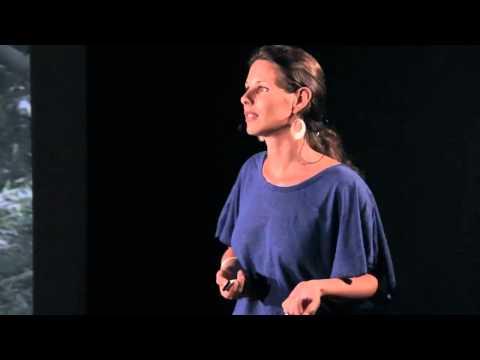 (Ré)apprendre la vie avec joie: Laetitia Sauvage at TEDxReunion