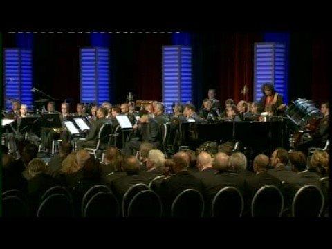 Optreden Muskee tijdens herdenking Relus ter Beek