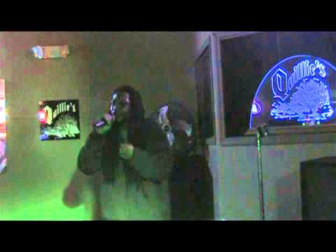 "Ricco Leach ""Pour Some Sugar On Me"" Quillies Karaoke Contest"