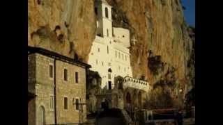 Crna Gora/Черногория. Монастырь Острог.MOV(Монастырь Острог - поистине святое место. Высоко в горах, оказавшись перед обителью (точнее перед скалой,..., 2013-01-28T23:17:29.000Z)