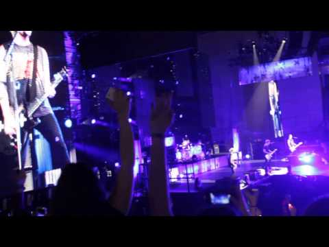 5SOS- Wrapped Around Your Finger at Meo Arena in Lisbon Portugal