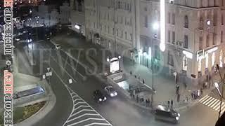 Момент столкновения двух внедорожников во время трагического ДТП в Харькове. ВИДЕО камер наблюдения