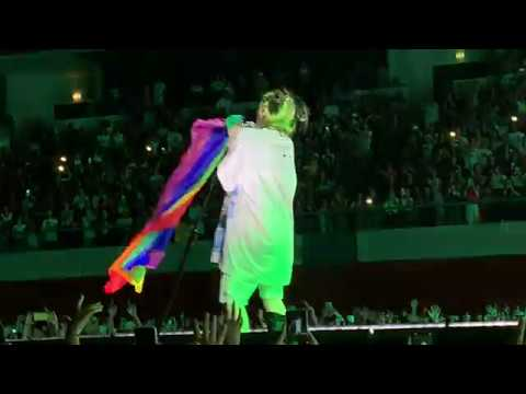 Wish You Were Gay - Billie Eilish In Lisbon, Portugal (04/09/2019)