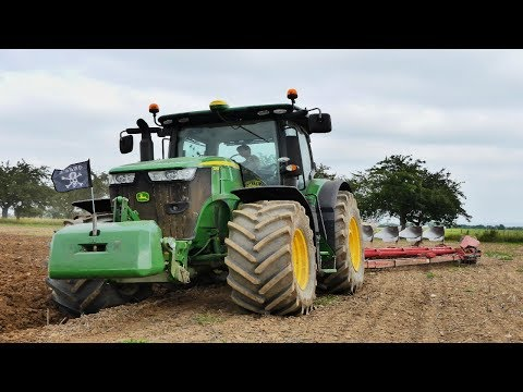 Ploughing | John Deere 7270R and 6 furrow Kverneland | Tractor in action