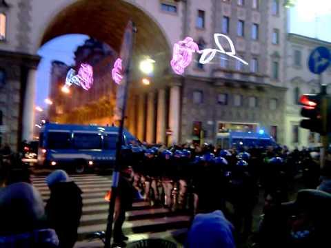 Manifestazione 2 a milano a parco di porta venezia 18 12 - Parco di porta venezia ...