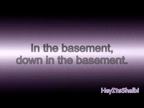 In the Basement - Martina McBride (ft. Kelly Clarkson)