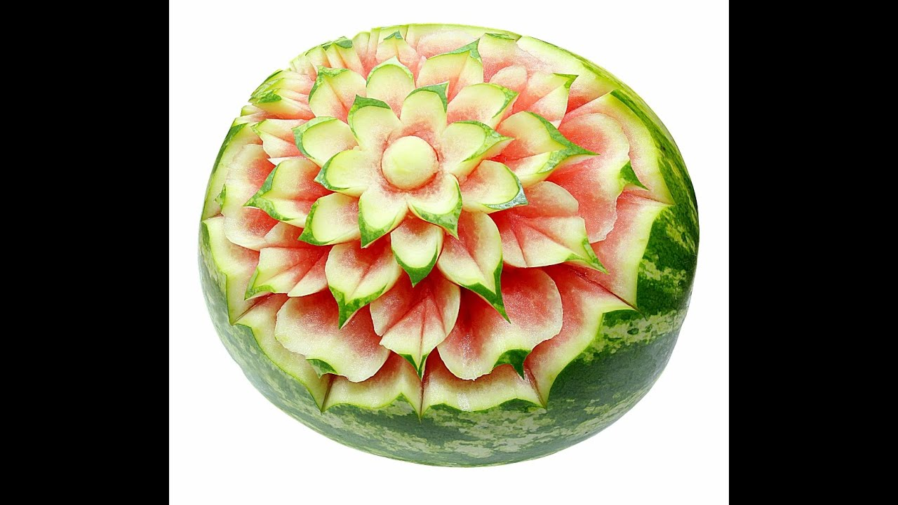 Free fruit carving course flower in watermelon