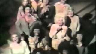 Donna Summer-On The Mac Davis Show   (1977 Gospel Medley with Dolly Parton).mp4