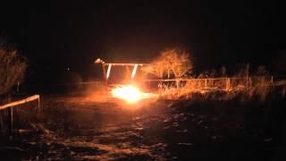200er Spezial NVA Imitationshandgranate und eine Gefechtsfeldbeleuchtung am Boden - PyroTeam ReBa