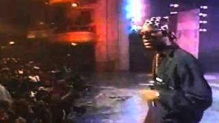 R. Kelly - Honey love (live performance)