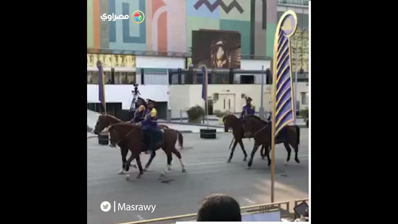 عرض الخيالة في بروفة حفل نقل المومياوات الملكية في التحرير