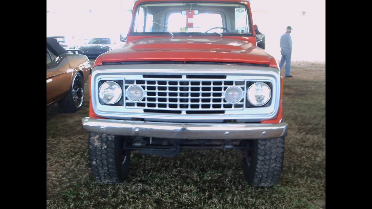 1973 Jeep Commando 4X4 RedWht KissimmeeMeAuction012015A - YouTube