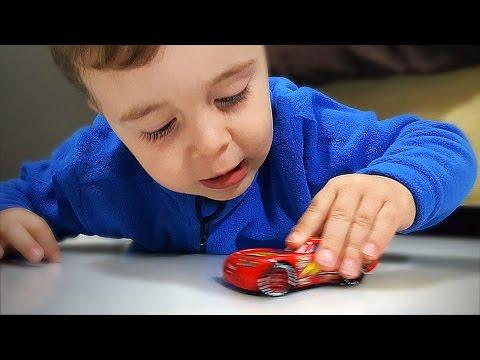 Relâmpago Mcqueen Carro de Brinquedo - Lightning Mcqueen Cars Disney Pixar