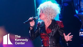 Cyndi Lauper honors Cher | 2018 Kennedy Center Honors