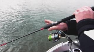 Pêche en verticale - comment tenir sa canne ?