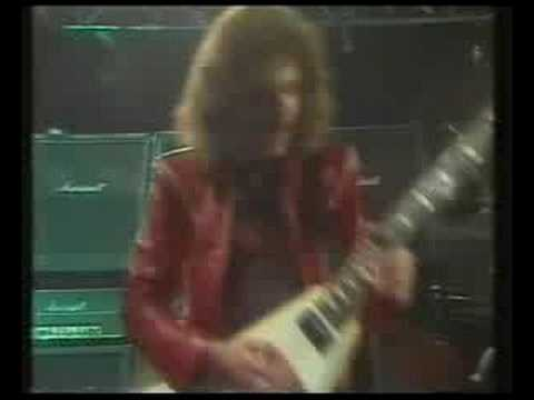 Saxon - Heavy Metal Thunder (Live)