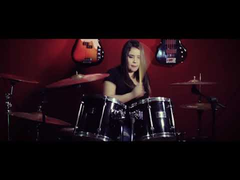 Sepultura - Desperate Cry - Drum cover - Crislainy Silva