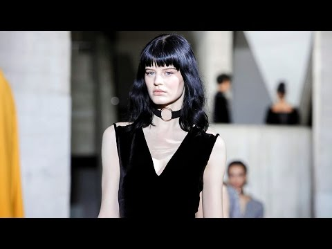 Roland Mouret | Fall Winter 2017/2018 Full Fashion Show | Exclusive