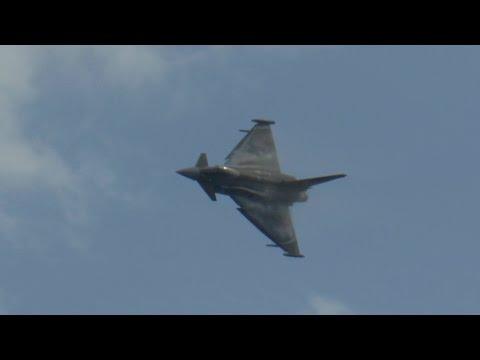 Dawlish Airshow 2015 Ft Vulcan, Typhoon, Seafire and many more
