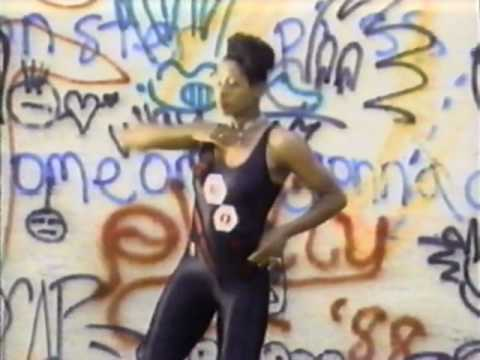 MC Hammer - Pump It Up (Video)