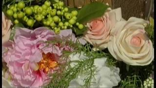 Спустились с небес. Жених и невеста из Челябинска прилетели на свадьбу на парашютах