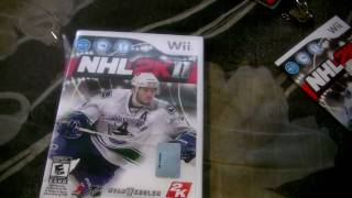 Unboxing NHL 2011 Hockey for the Wii