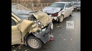 Двое взрослых и ребенок пострадали в ДТП с четырьмя авто в Казани