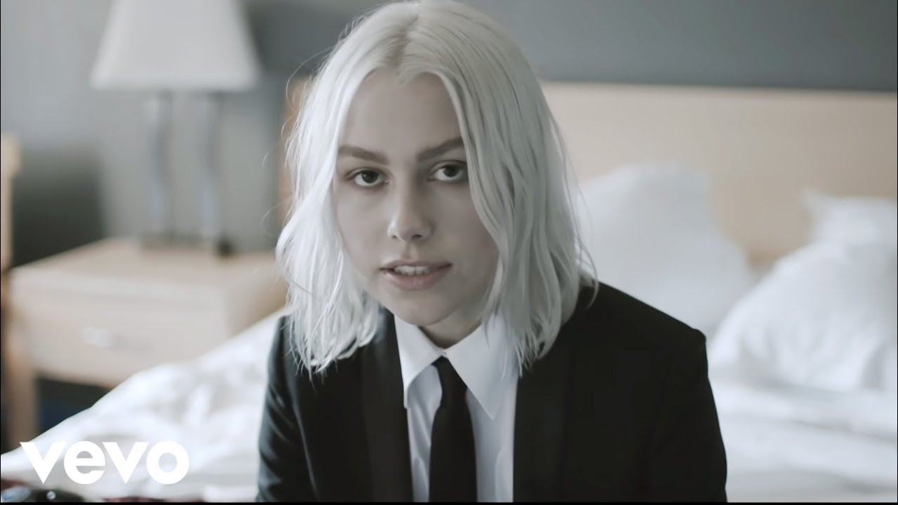 Phoebe Bridgers - Motion Sickness (Official Video) - YouTube