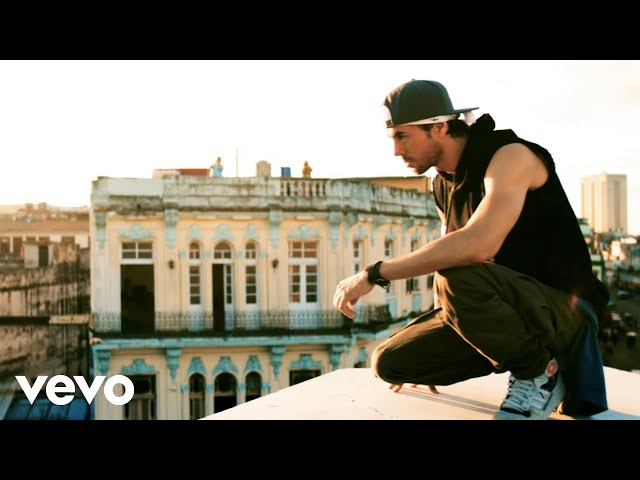 Enrique Iglesias - SUBEME LA RADIO ft. Descemer Bueno, Zion & Lennox (Official Video)