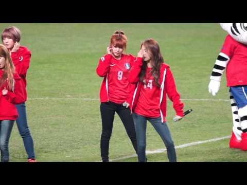 130326 4Minute (Sohyun Focus) - 'Hot Issue' @ South Korea vs. Qatar World Cup Qualifier [FANCAM]