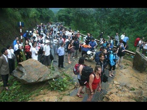 Mưa lũ kinh hoàng ở Lào Cai, 12 người chết và mất tích