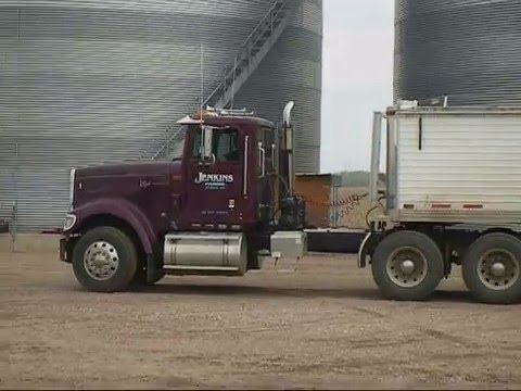 Jenkins Farms - Spring '09 Planting Spraying Hauling Corn