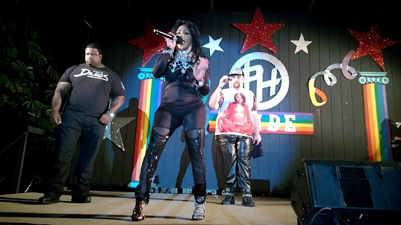 Lil Kim performing LIVE in Orlando FL