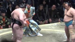 20160114大相撲初場所5日目 琴勇輝 vs 逸ノ城.
